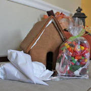 Large Gingerbread House Kit Contents