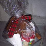 Medium Gingerbread House Kit (comes with frosting and candy)